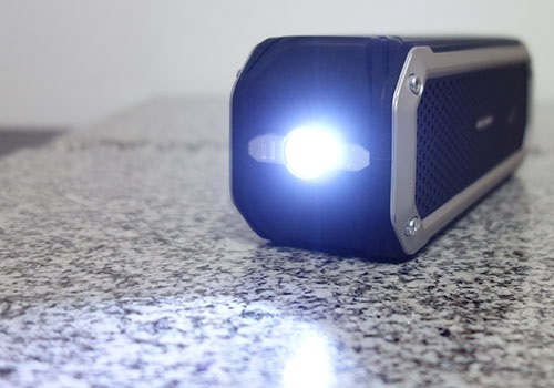 LED flashlight on the side of the AlzaPower Rage R2 speaker